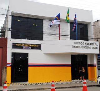 ESCADA ARQUIVO MUSEU PALESTRA 05 06 2014 (37)
